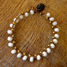 Faceted Milkglass and Gold Bracelet